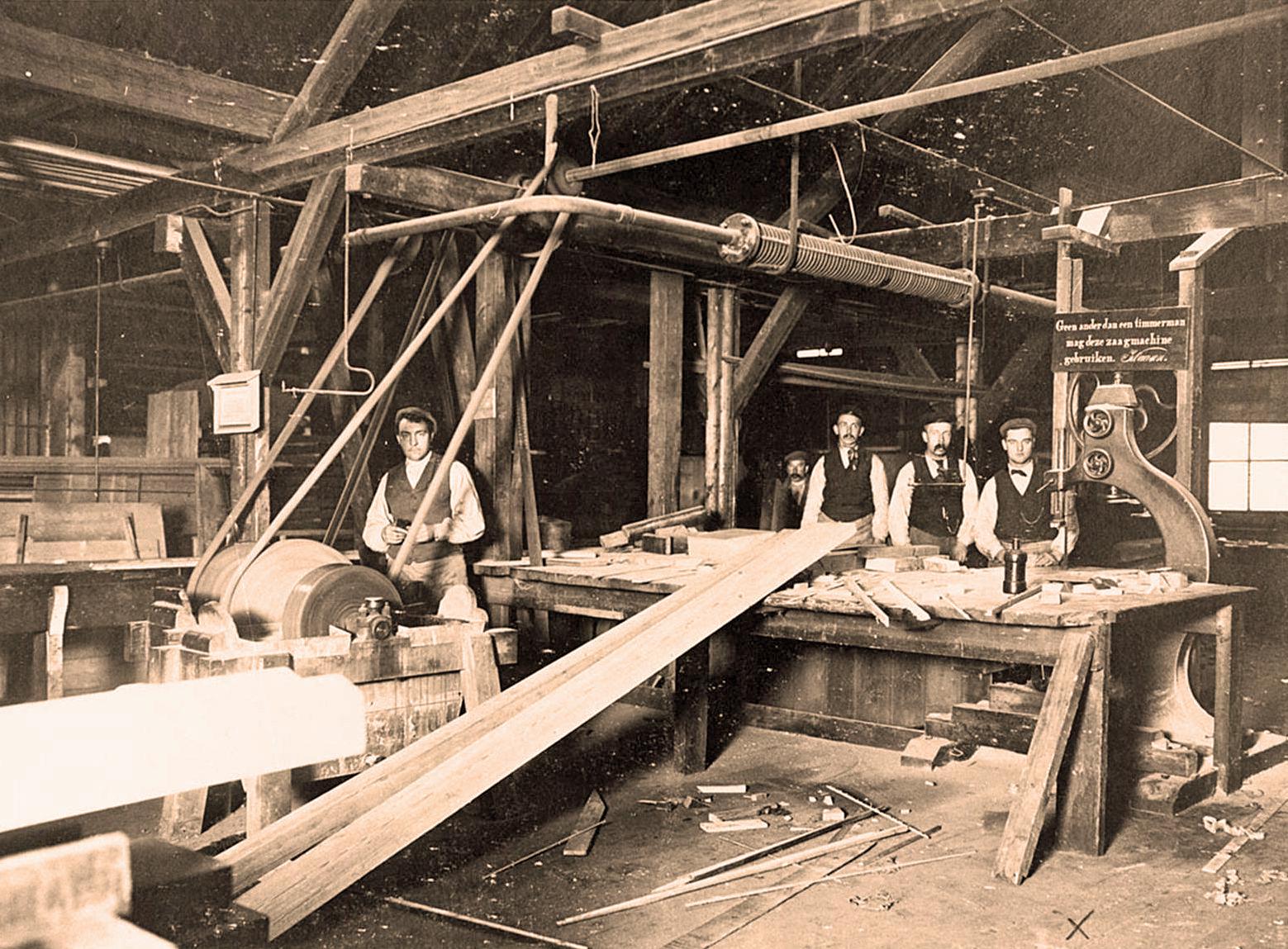 Dsm Keukens Fabriek : Willem Smit verlicht de Ned Gist en Spiritusfabriek (DSM