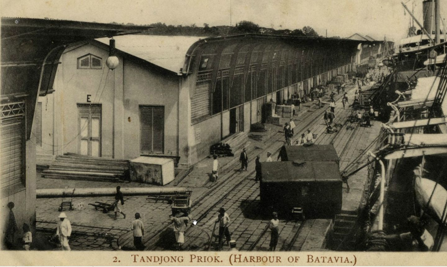 TANDJUNGPRIOK_HAVEN_1920_BOOGLAMP